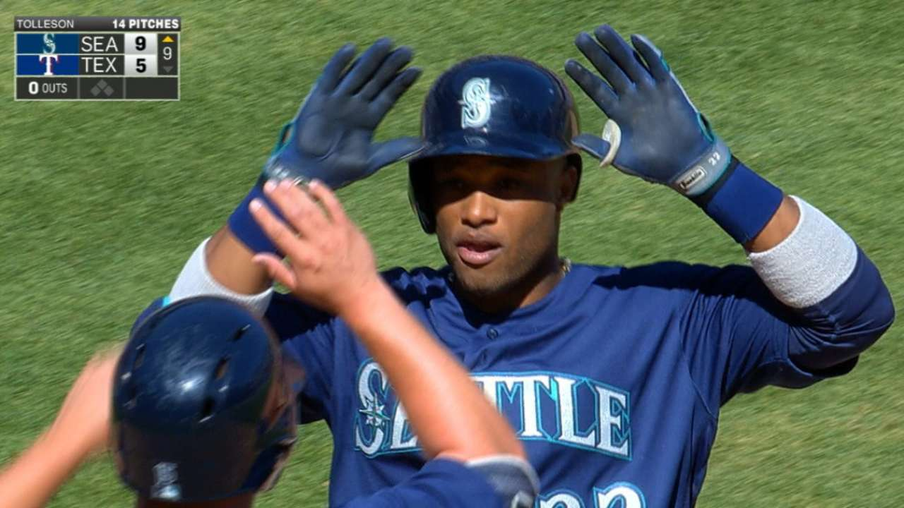 Cano's resurgence highlights engaging Opening Week
