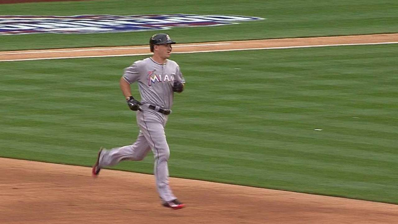Realmuto's RBI single