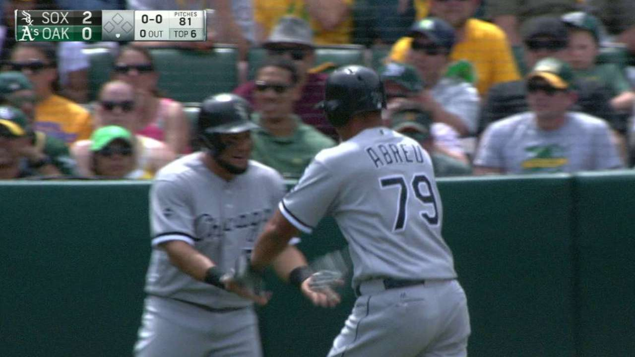 Abreu's homer hands Sox game, series win
