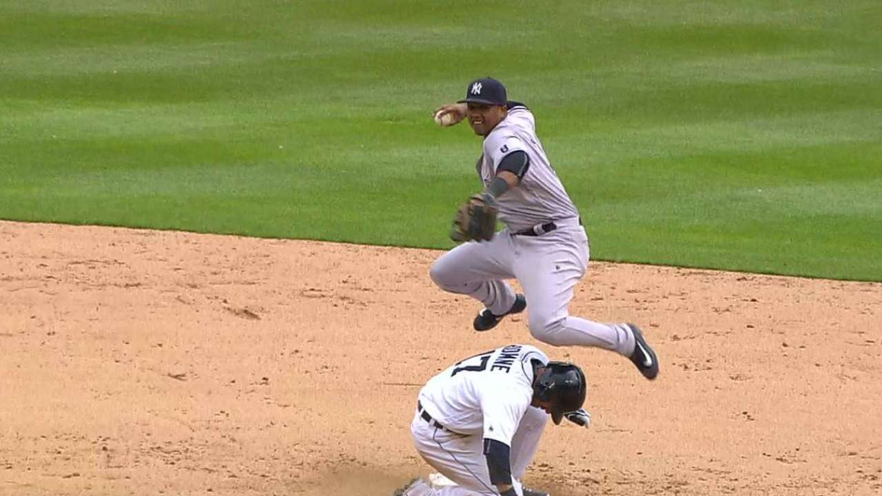 Starlin reacts to 'neighborhood play' review