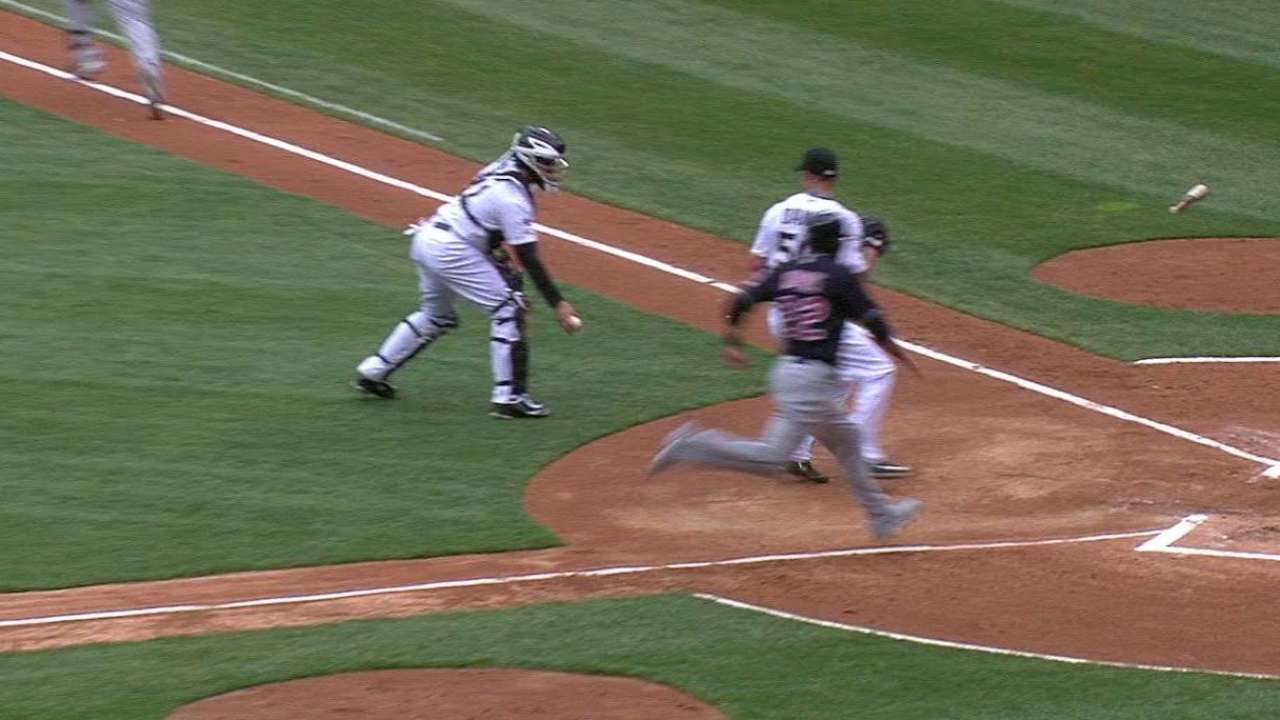 First-inning miscue sets tone for White Sox
