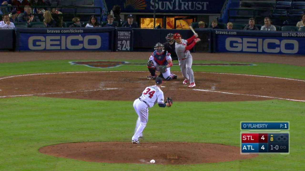 Diaz's pinch-hit HR blasts Cards over Braves