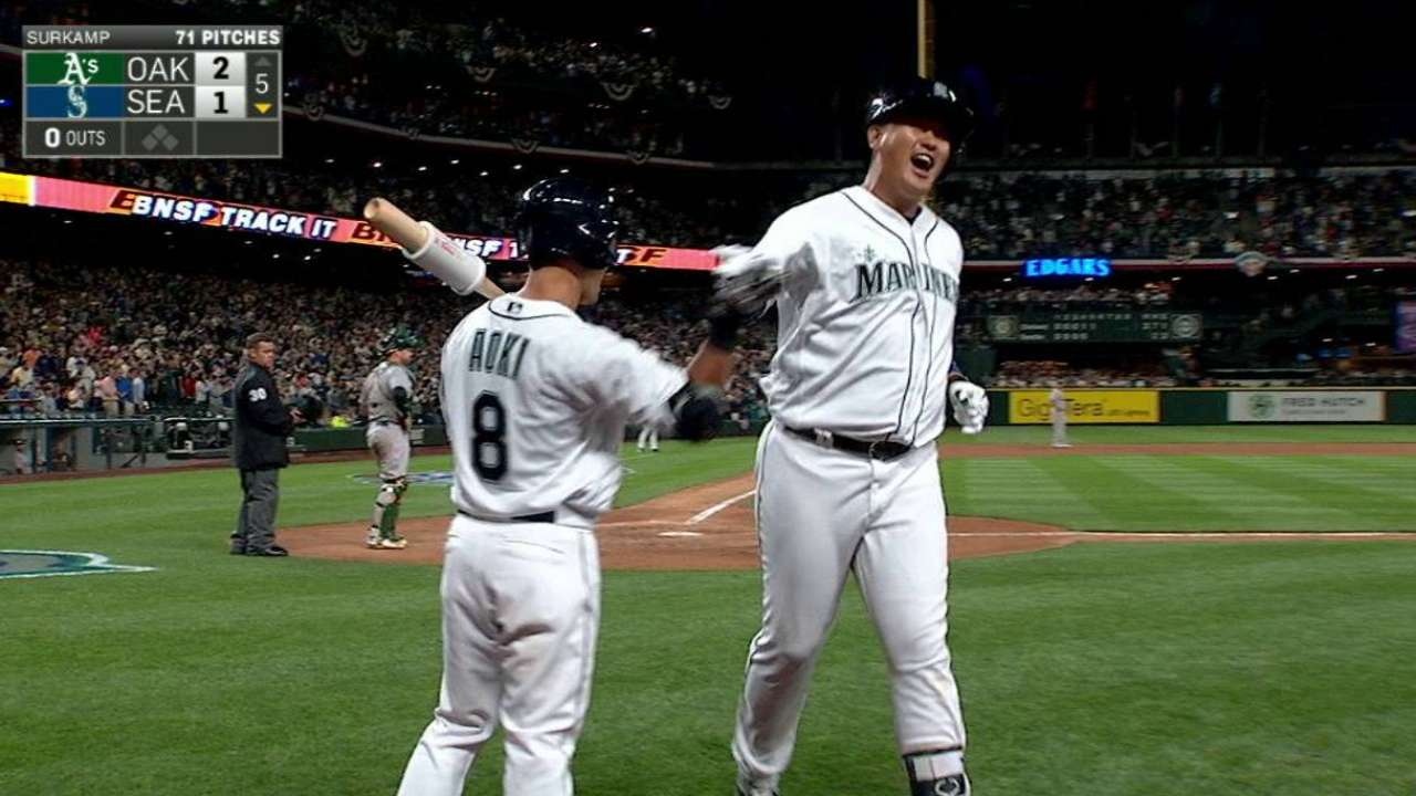 Mariners will rely on Lee in platoon vs. lefties