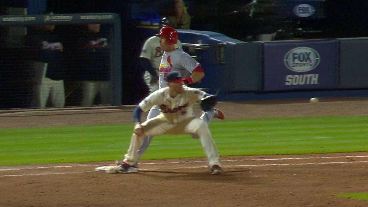 Fryer runs out infield single