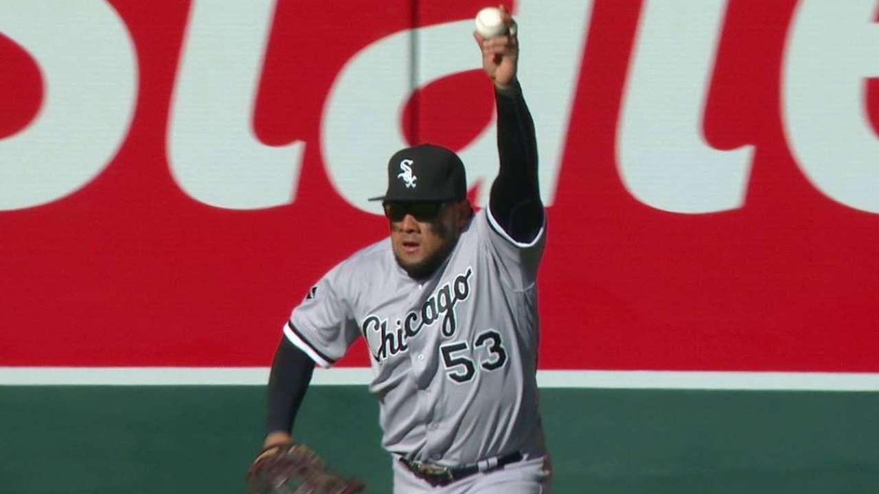 Cabrera makes catch falling down