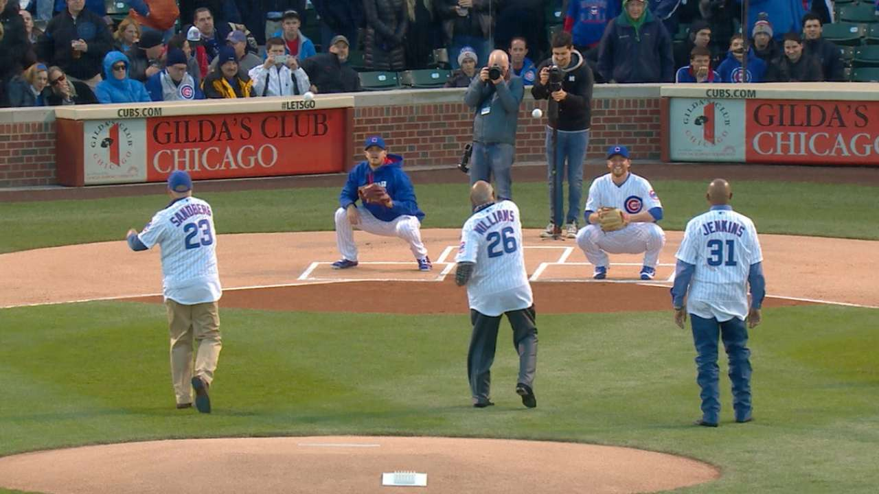 Former Cubs toss first pitch