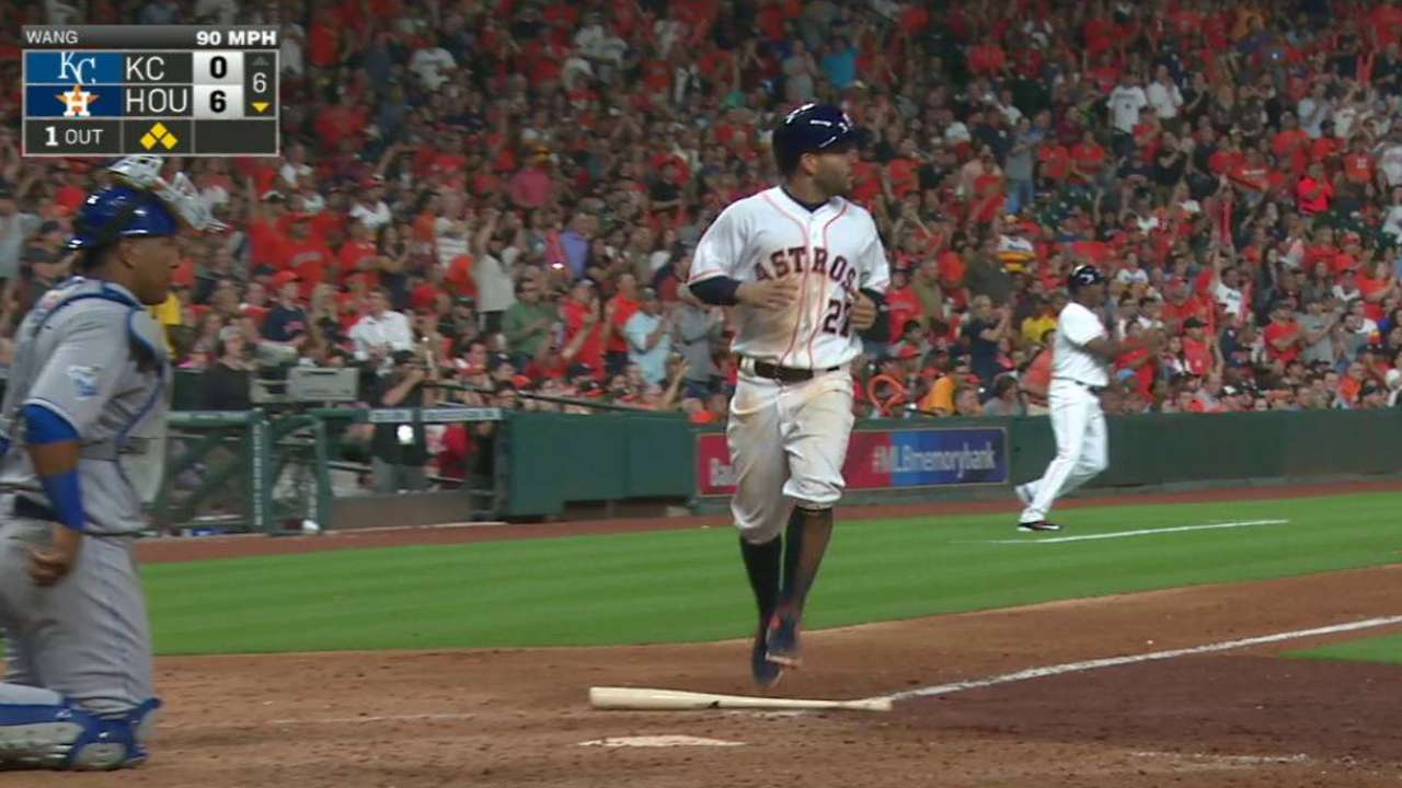 Astros come out swinging in home opener