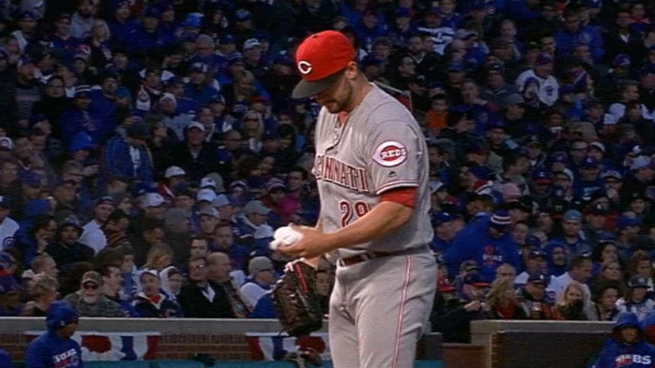 Finnegan shows no-hit stuff into 7th inning
