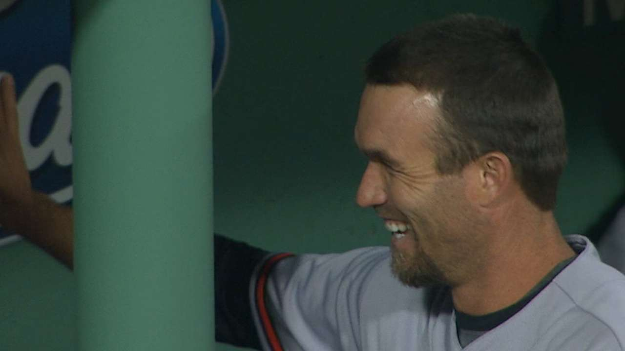 Hardy's 'Pesky' two-homer game