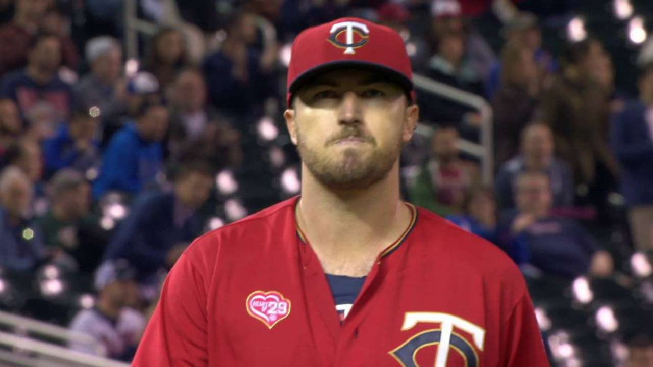 Twins' pitchers trying to pick up slumping team