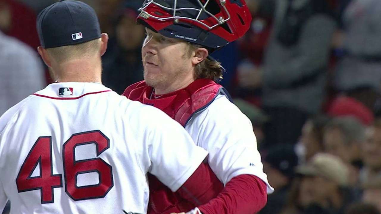 Kimbrel fans side, earns save