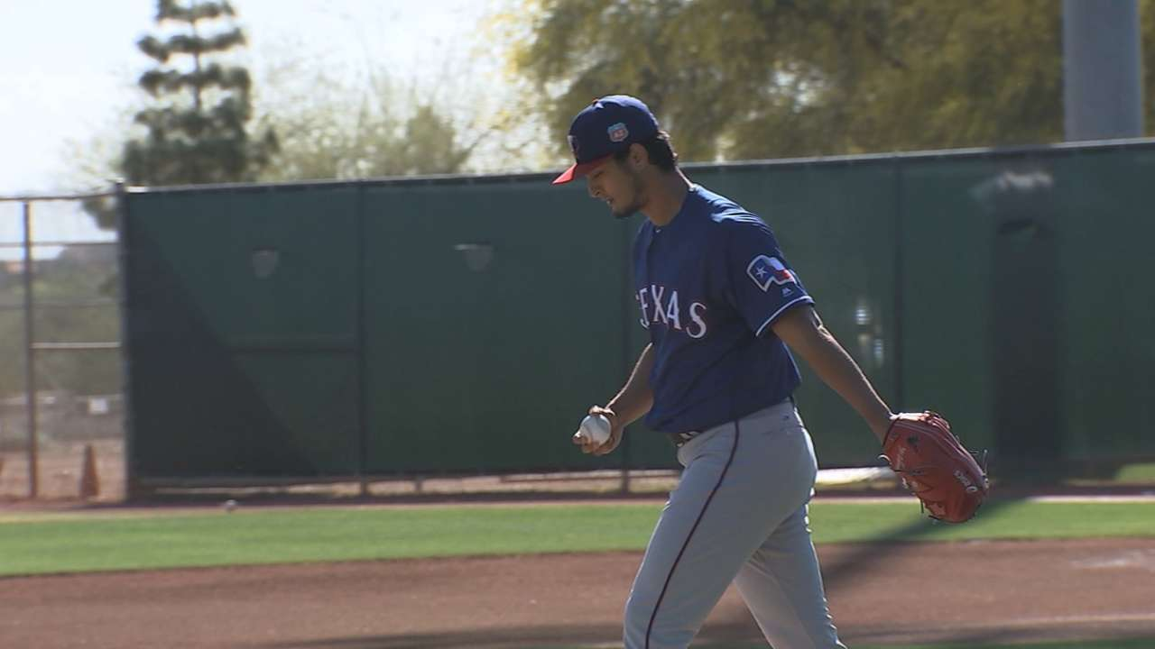 Darvish throws first BP session since surgery