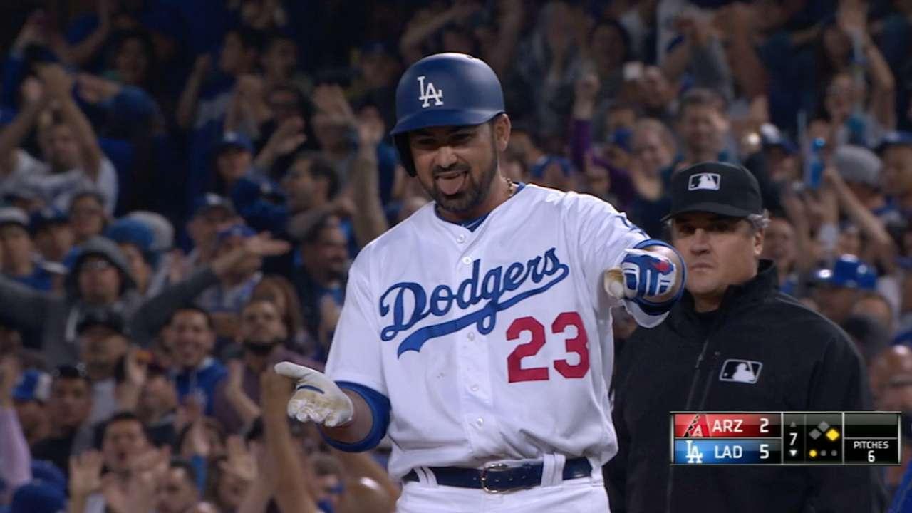 Dodgers' five-run seventh puts away D-backs