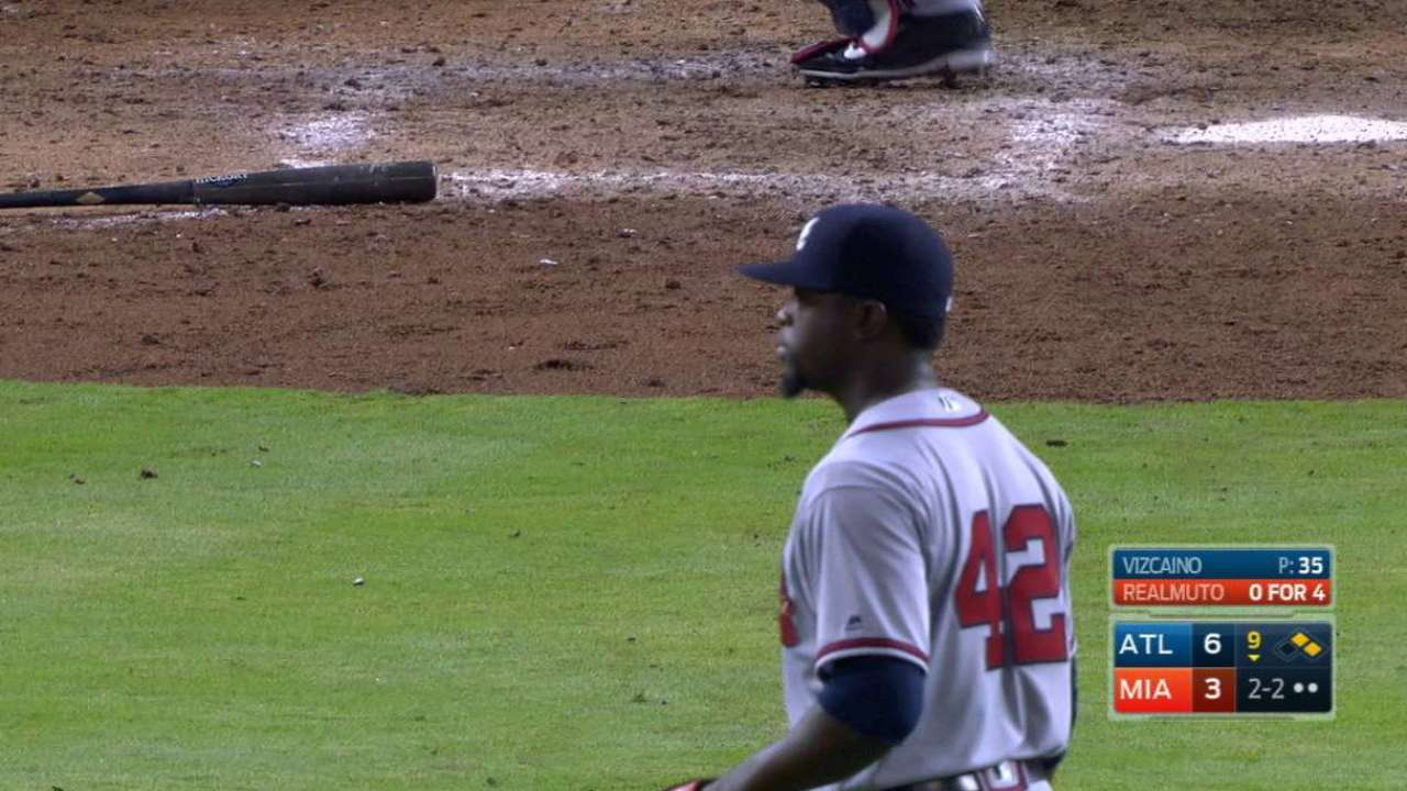 Vizcaino puts pin in Braves' first win