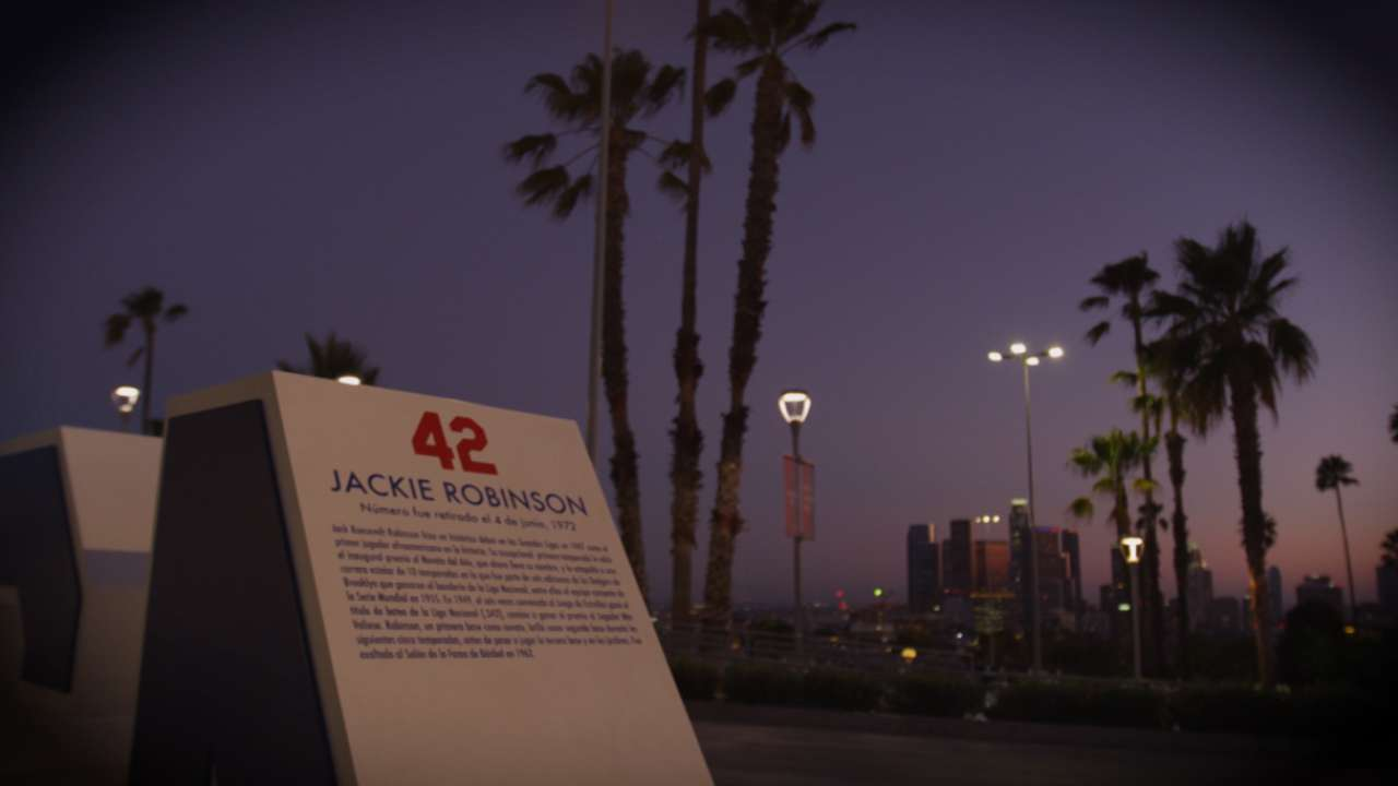 Jackie Robinson Day tributes among top GIFs