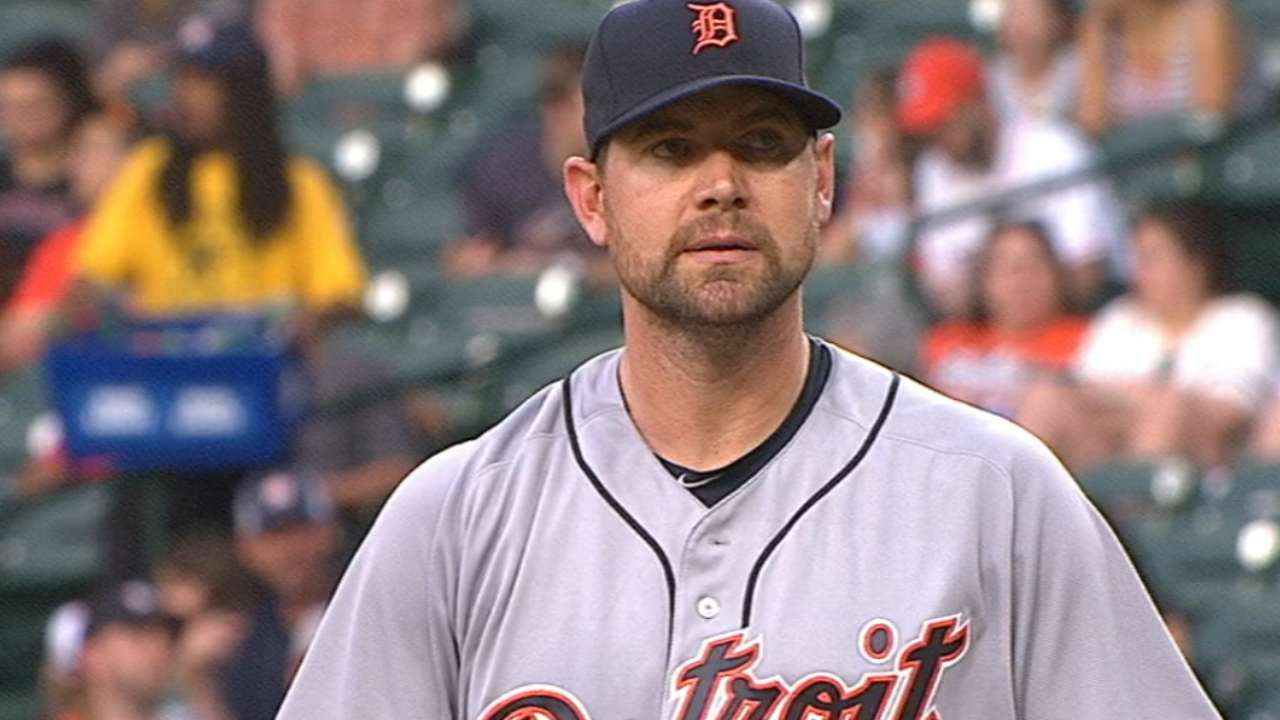 Shaky early, Pelfrey finishes strong