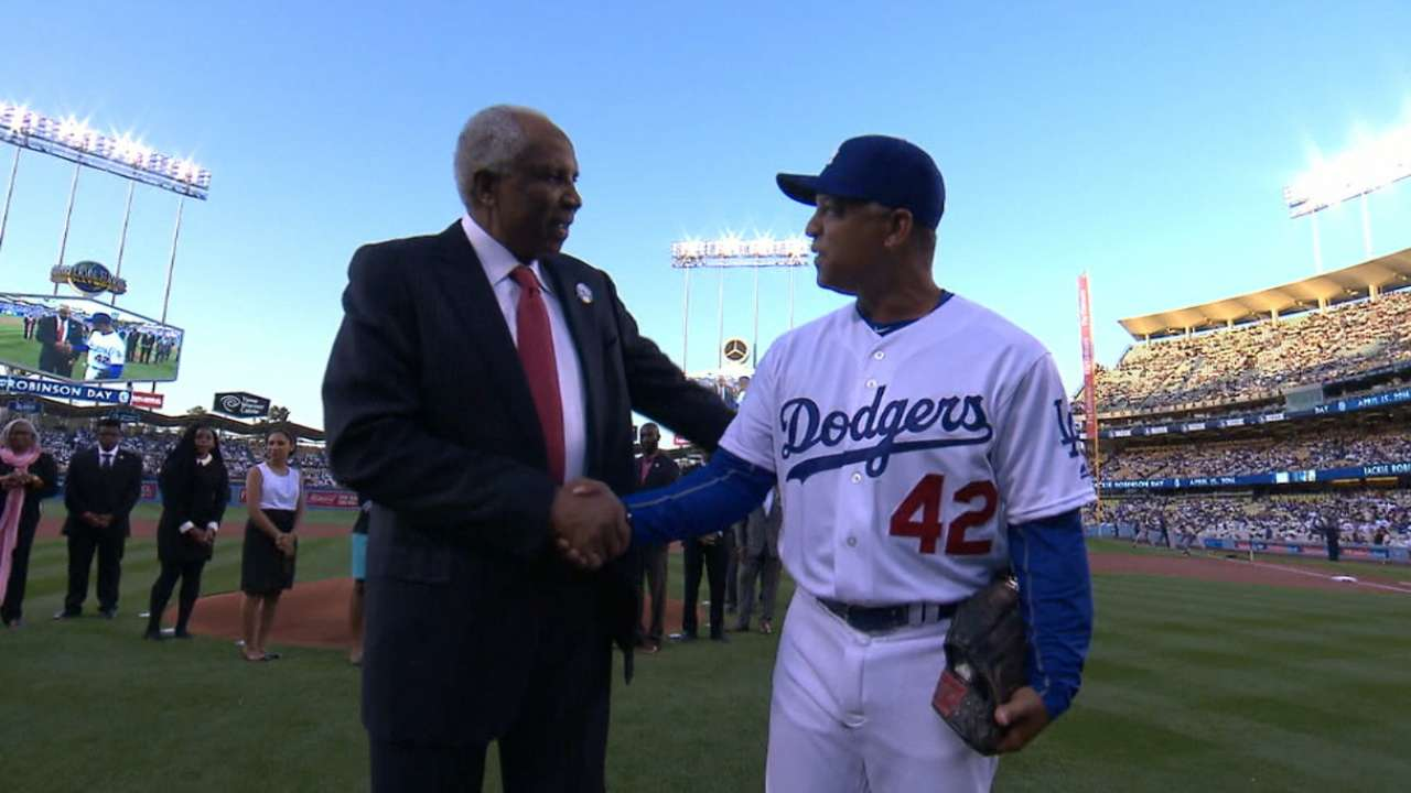Big leaguers on Jackie: 'This is to thank him'