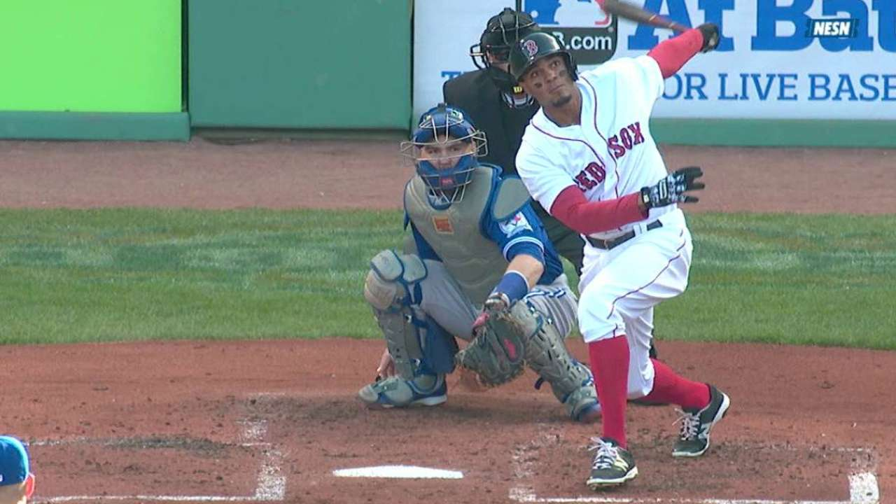 Bogaerts' three-run homer