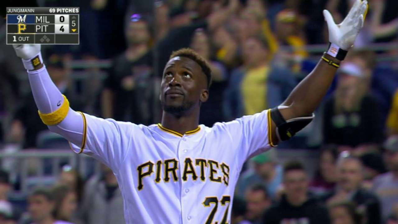 Cutch connects as Niese quiets Brewers