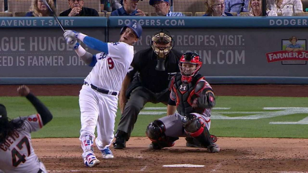 Grandal breaks up perfect game