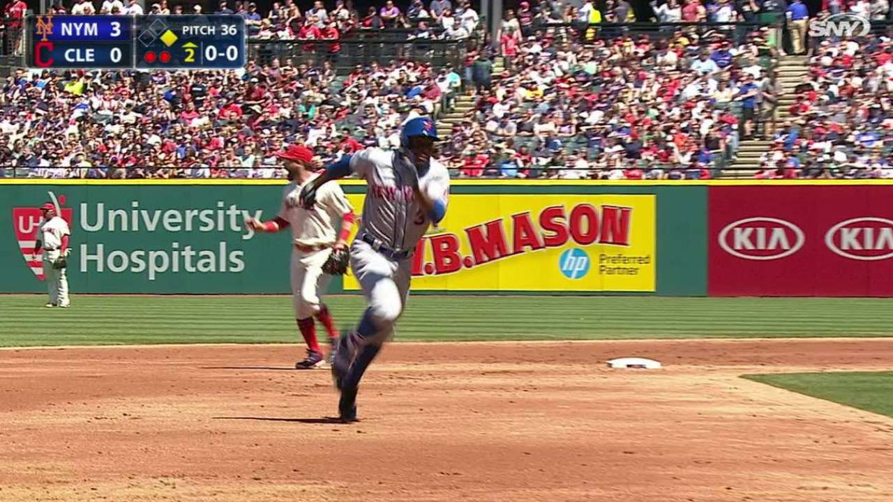 Granderson's sun-aided triple