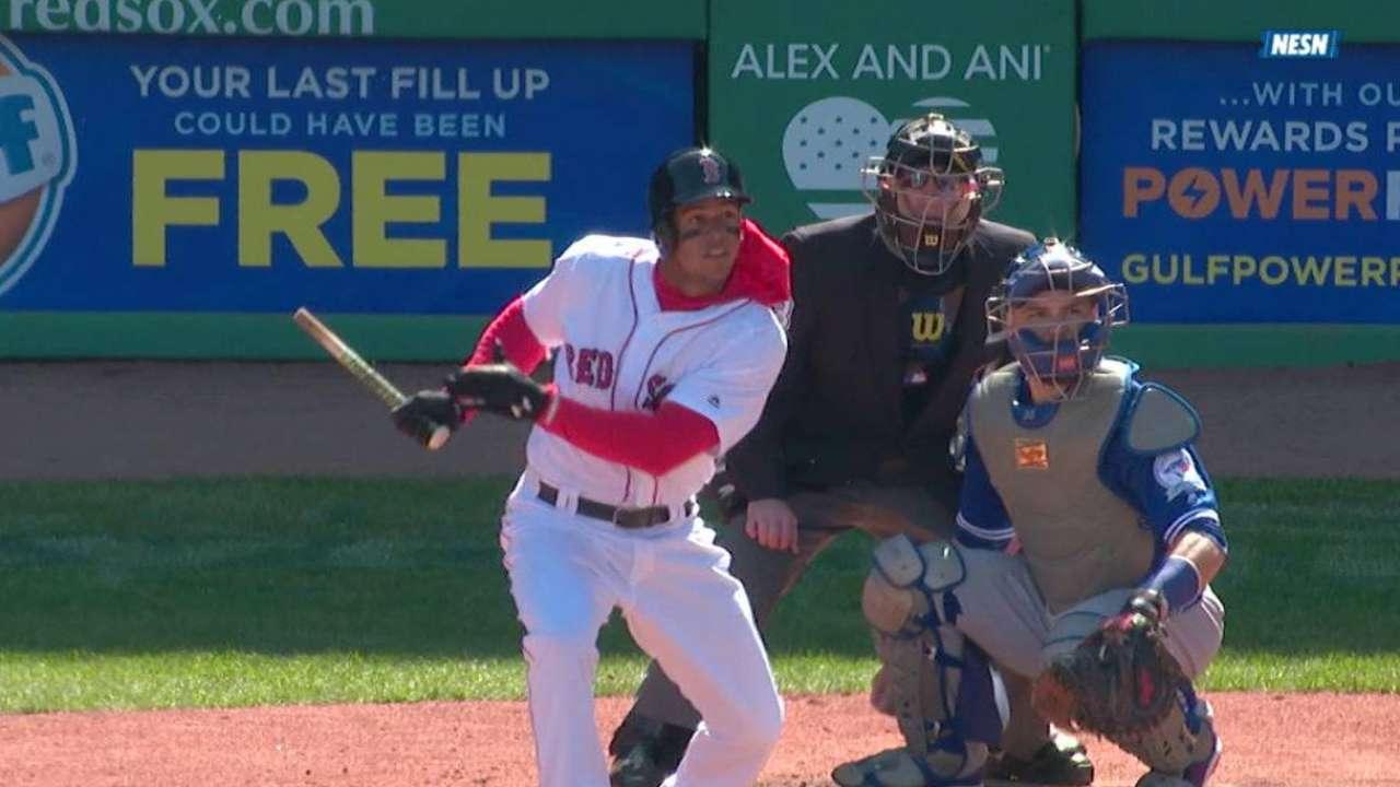 Hernandez's first MLB hit