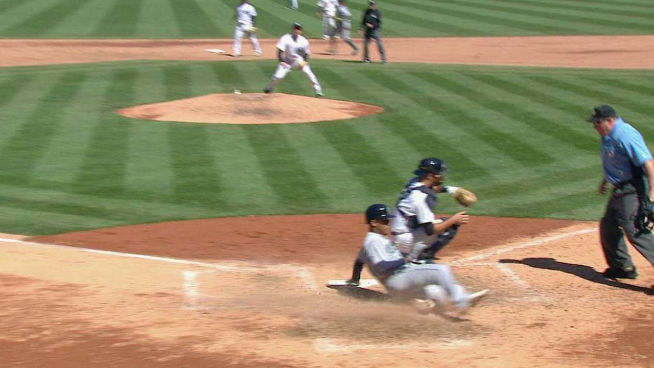 Weird play in big inning costly for Yankees