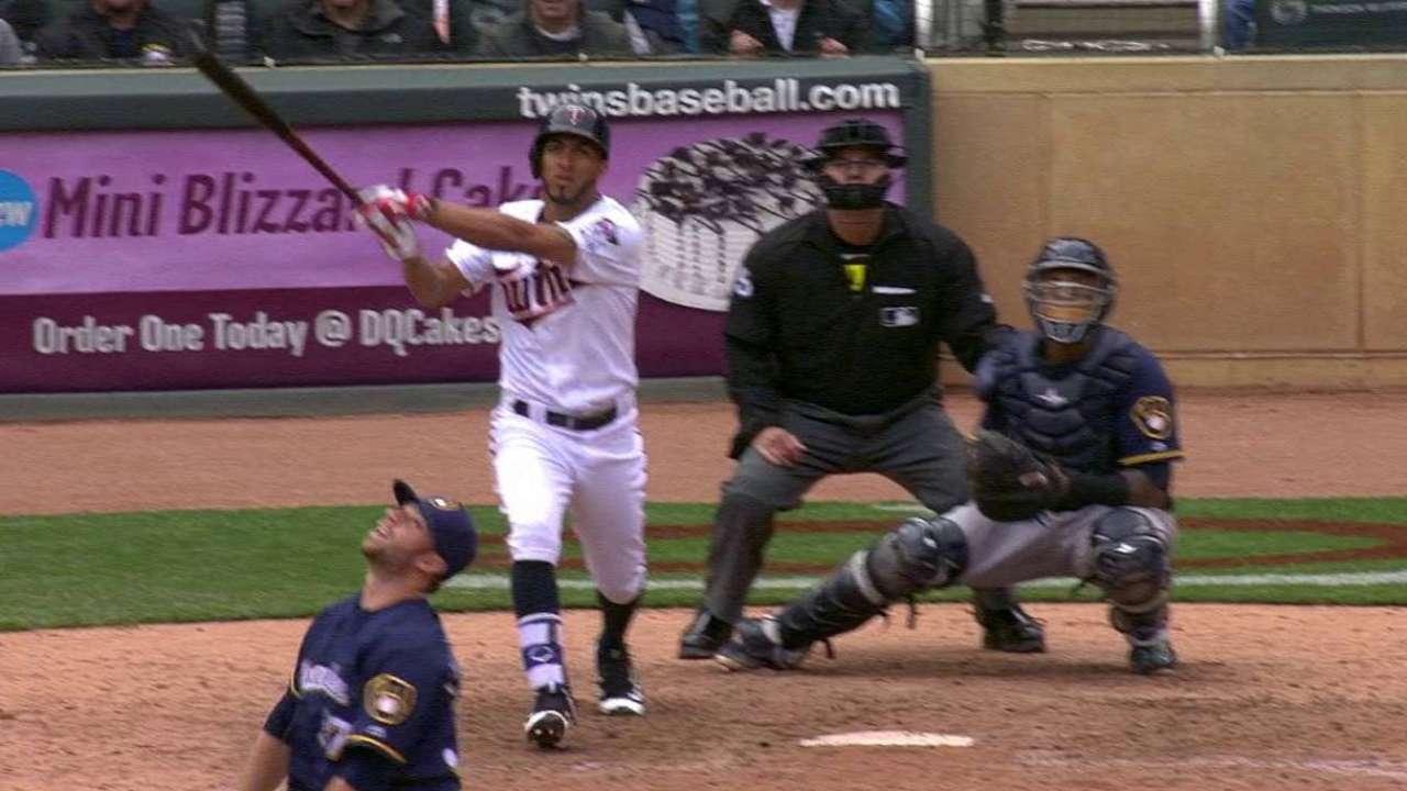 Rosario's game-tying homer