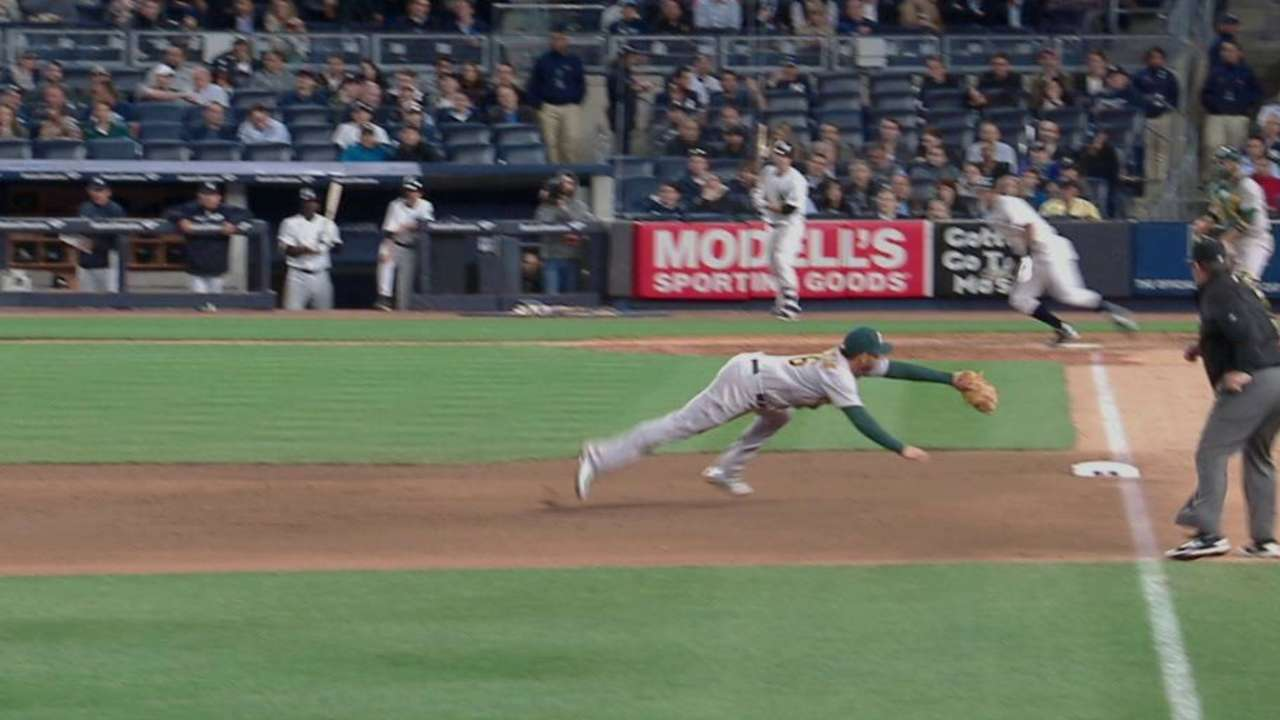 Valencia's great diving catch