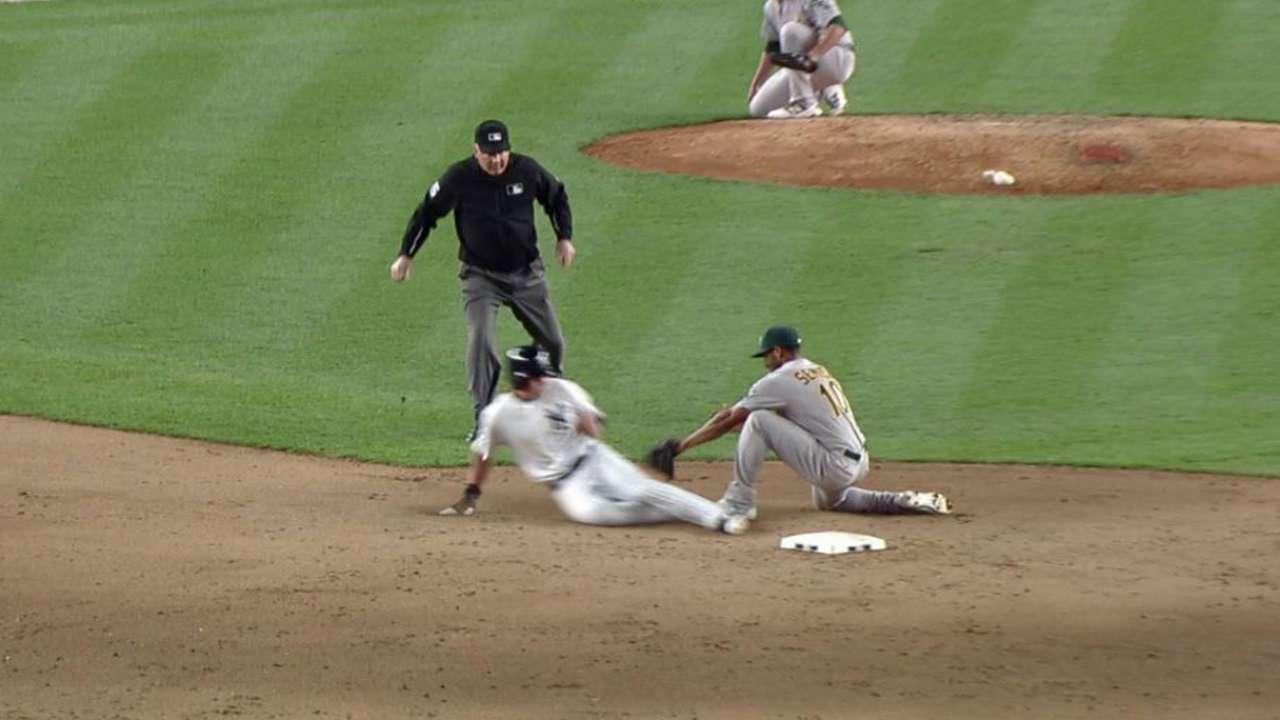 Vogt catches Ellsbury stealing