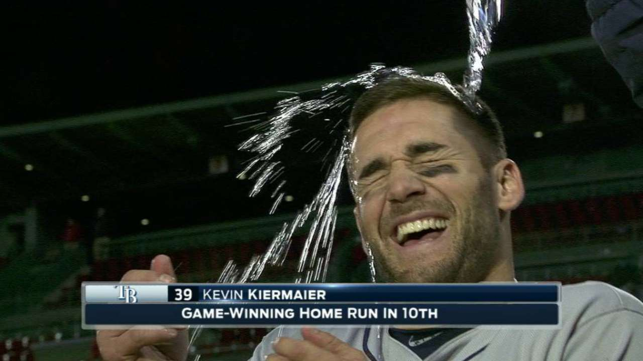 Known for glove, Kiermaier delivers with bat