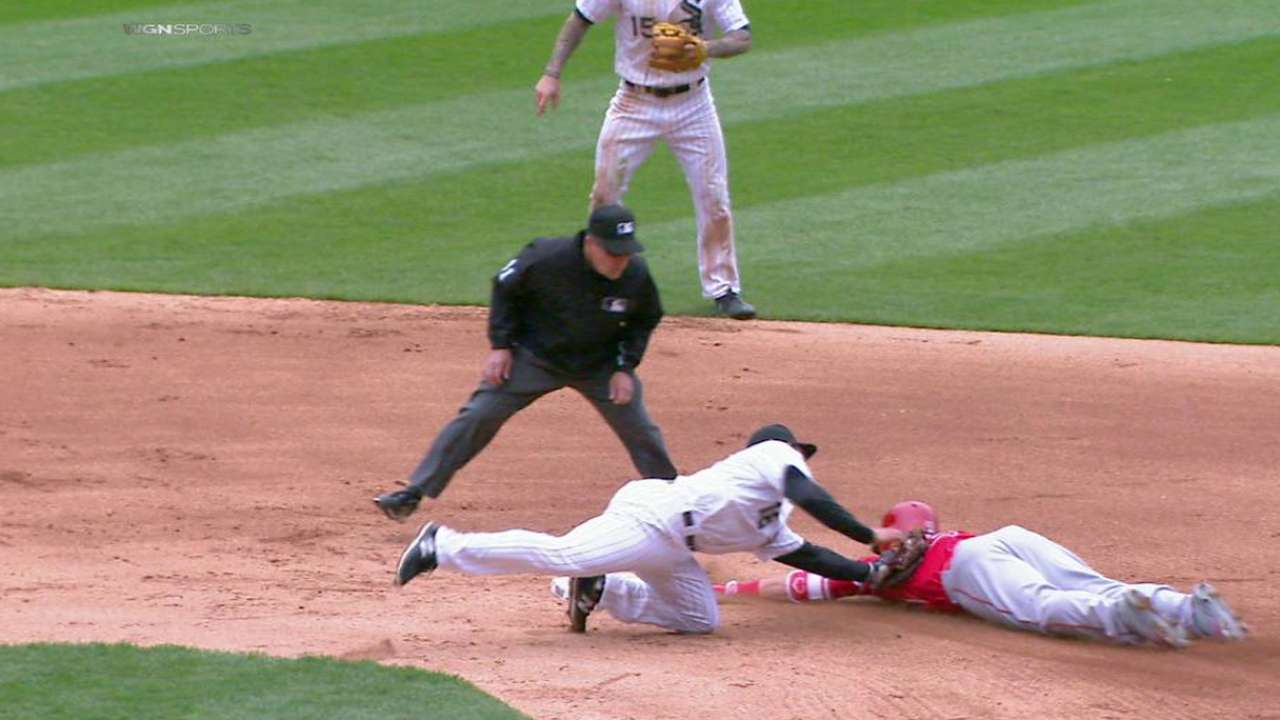 Sands recovers ball, nabs Trout