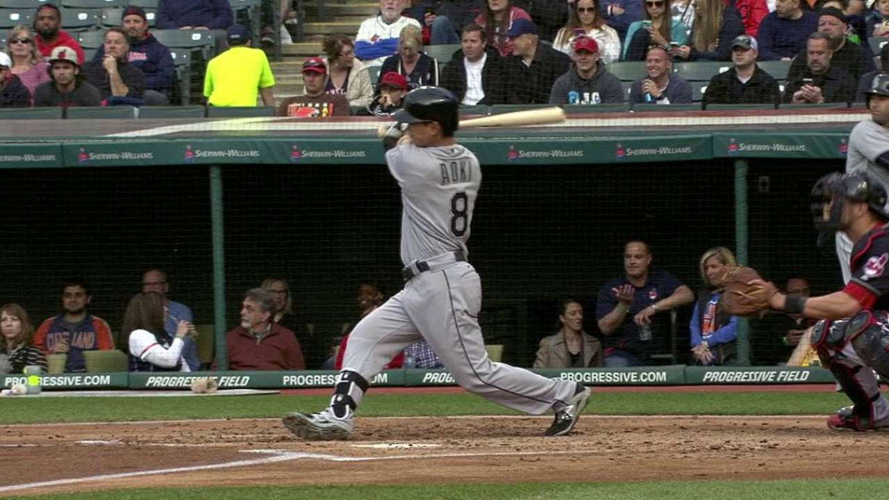 Walker outduels Salazar; Mariners edge Indians