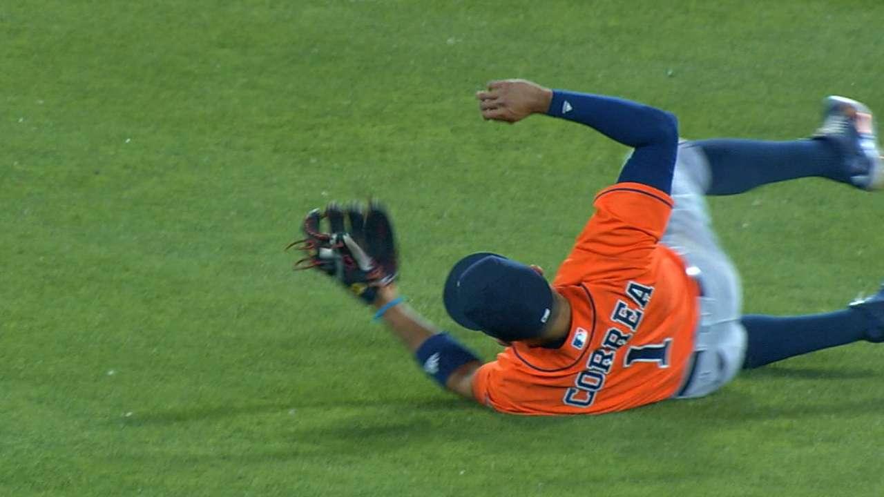 Must C: Correa's crazy catch