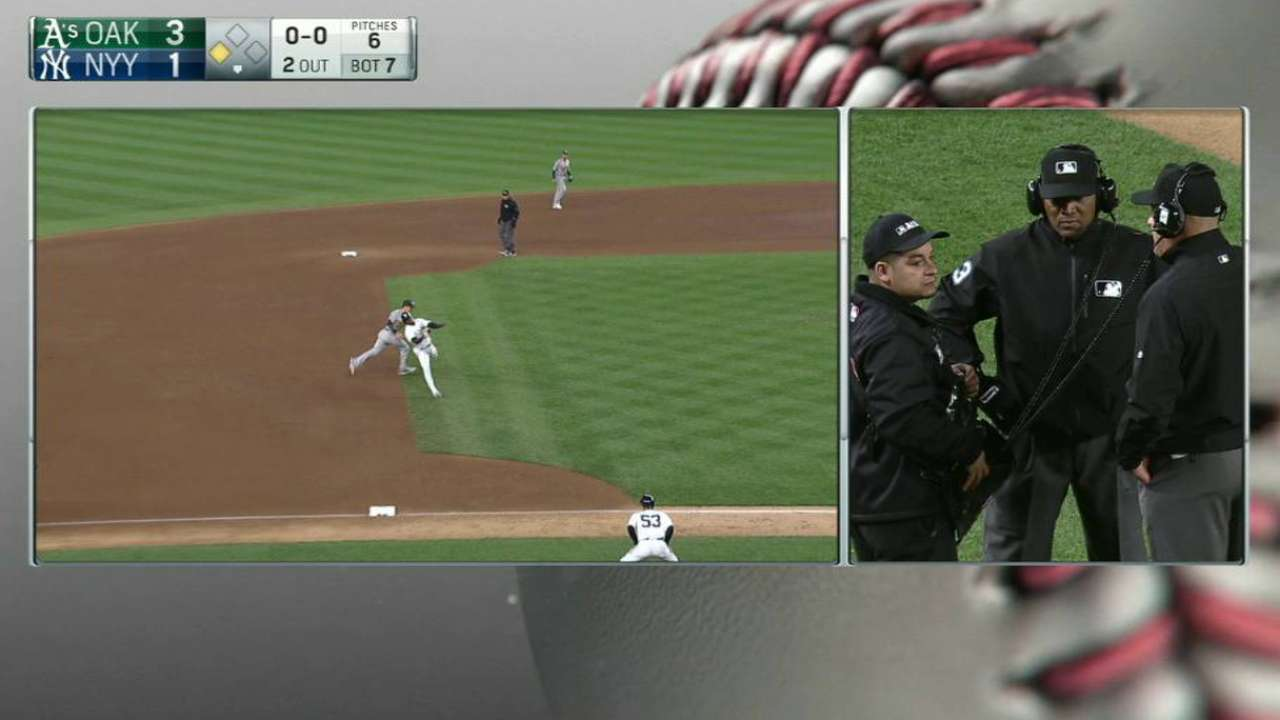 Baserunning blunder by Didi leads to DP