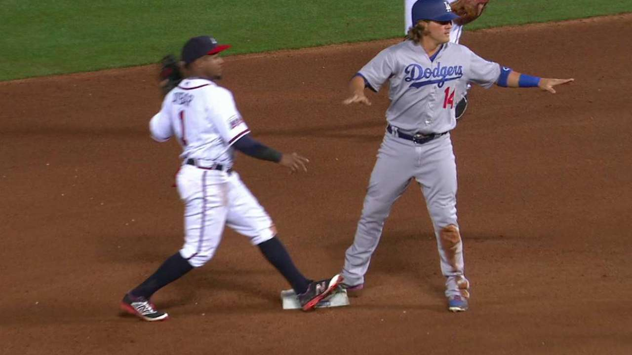 Hernandez steals second