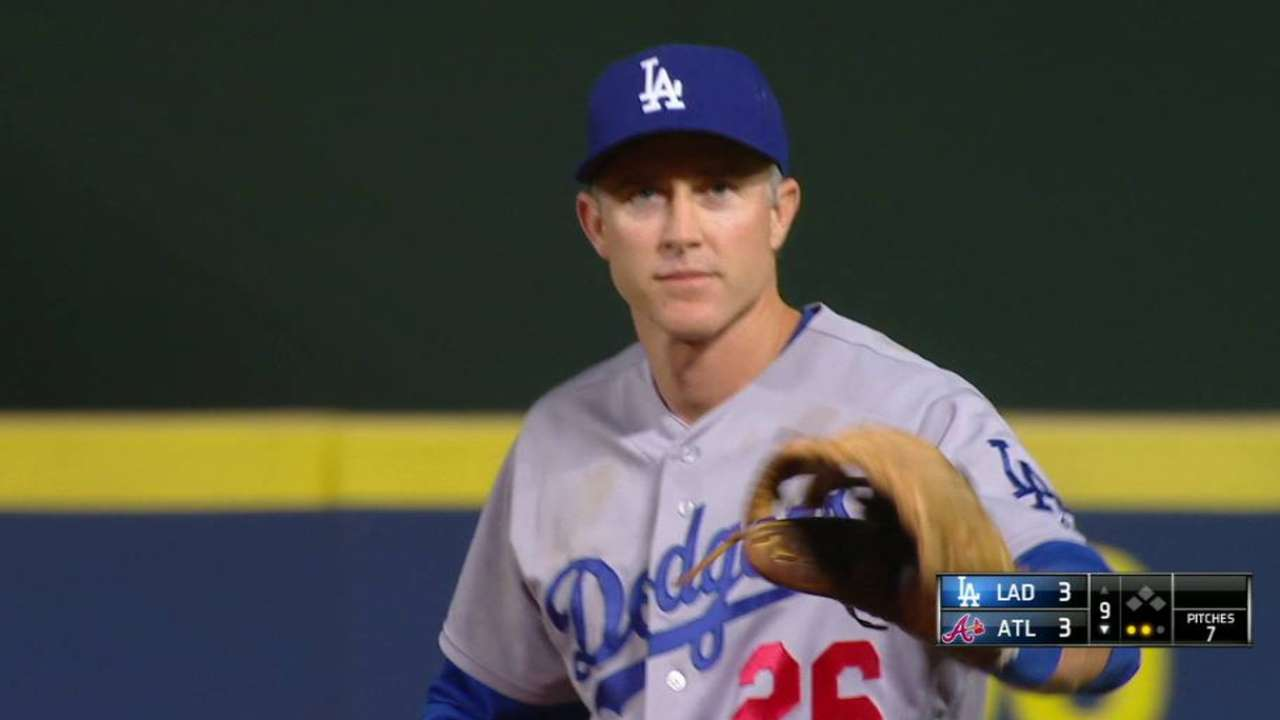 Utley spins, nabs Flowers