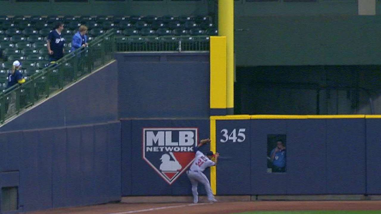 Arcia's wall-crashing catch