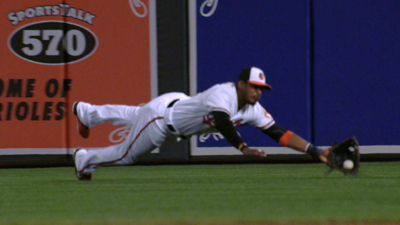 Must C: Jones' diving catch