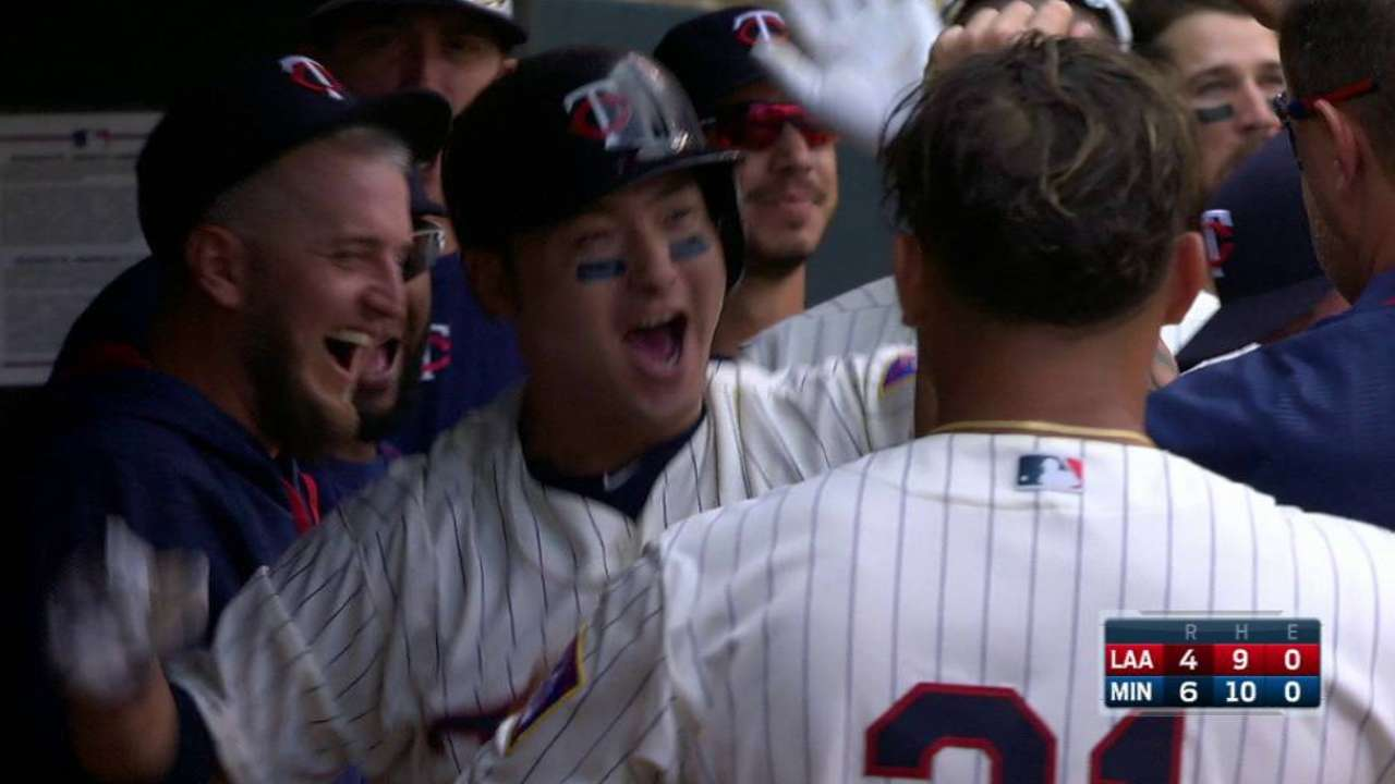 Twins triumph with back-to-back homers