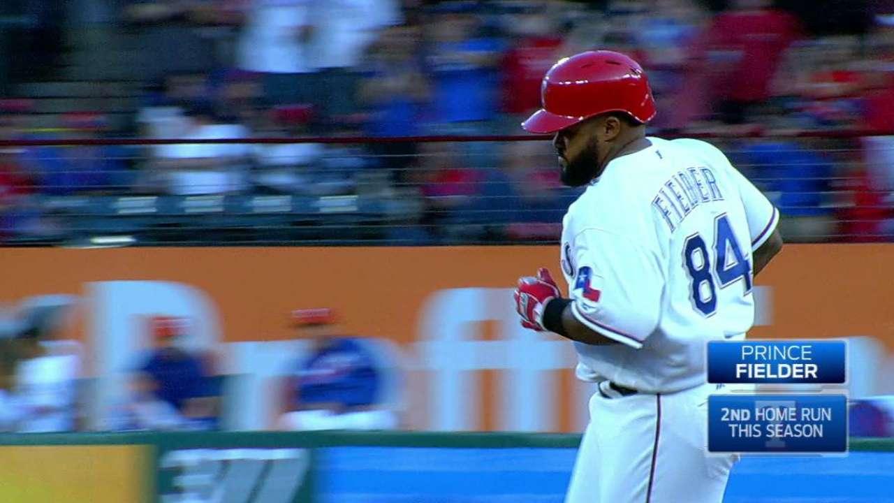 Prince Fielder suena jonrón y Rangers se imponen a Astros