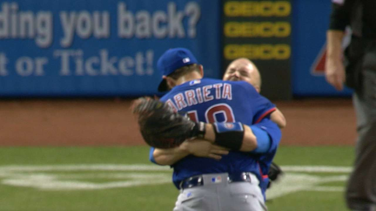 Arrieta finishes no-hitter