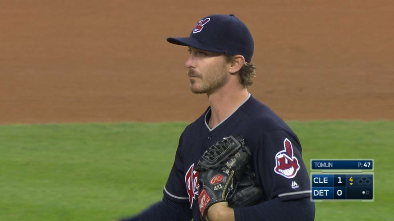 Boosted by homers, Tomlin outduels Verlander