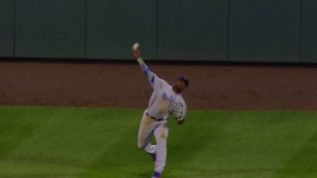 Puig's strong throw to third
