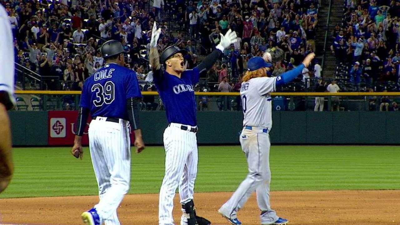 Triple de Barnes da triunfo a Rockies sobre Dodgers