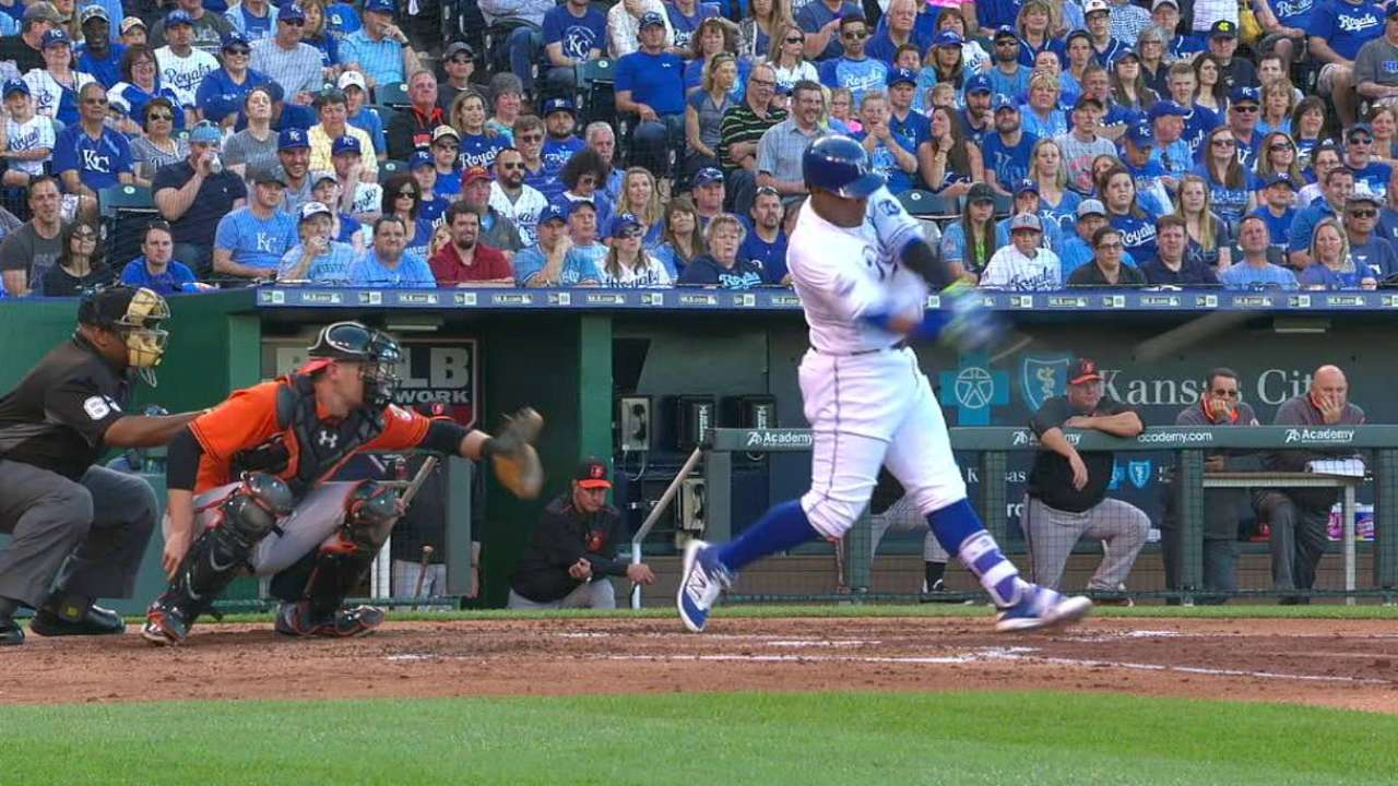 Perez's two-run homer
