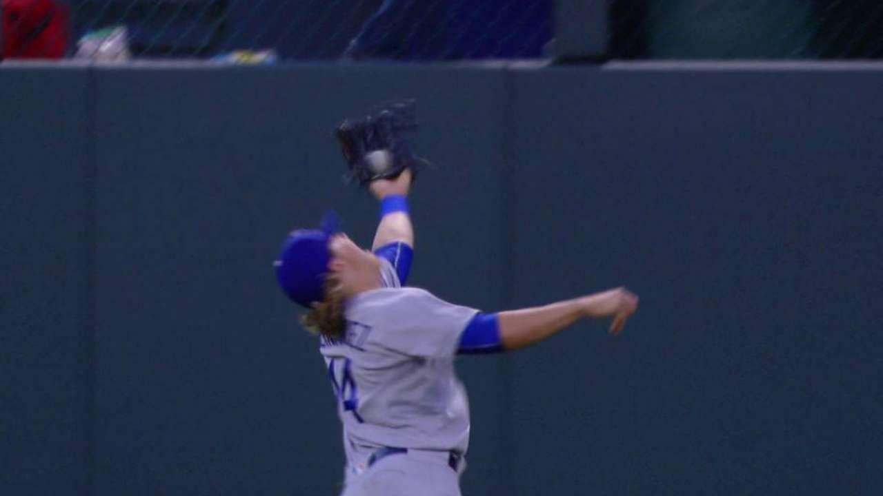 Hernandez's amazing catch