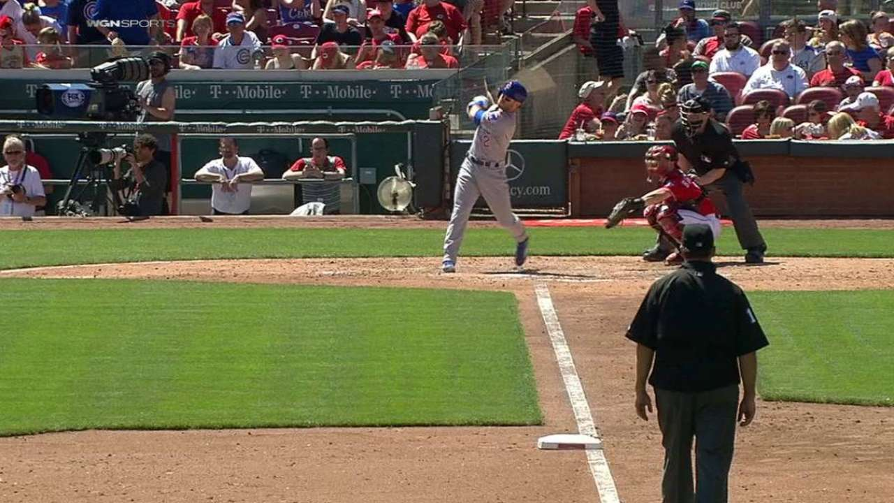 La Stella homers to right