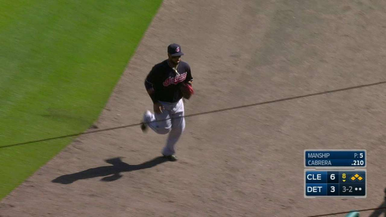 Manship gets out of the jam
