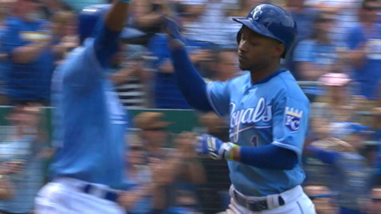 Royals' big 7th inning